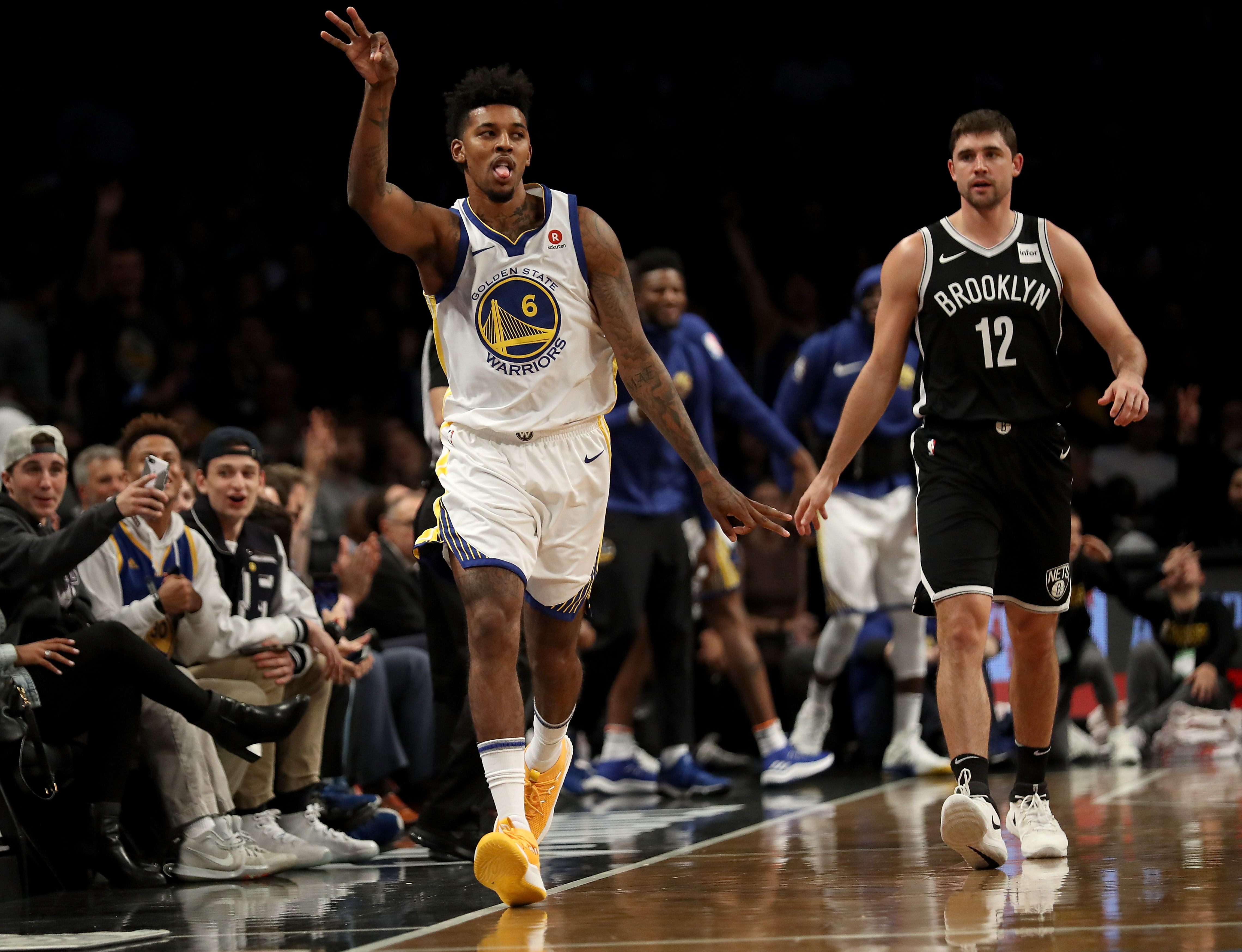 Stephen Curry's offensive explosion leads Warriors past Nets — NBA wrap
